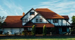 4 SIGNS THAT YOU ARE PRICING YOUR HOME INCORRECTLY